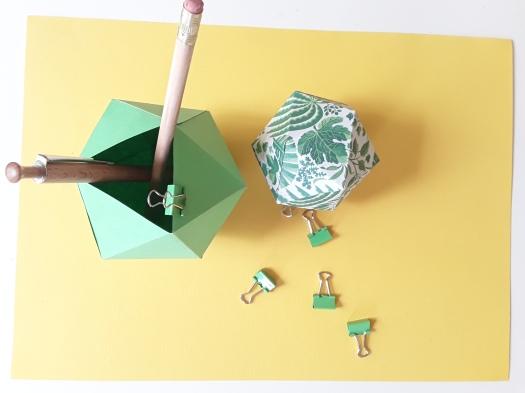 Papier Faltboxen selbstgemacht für den Schreibtisch